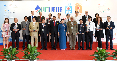 Representatives at the opening day of the eighth Vietwater and the second RE & EE Vietnam 2016 Expo & Forum in Ho Chi Minh City.