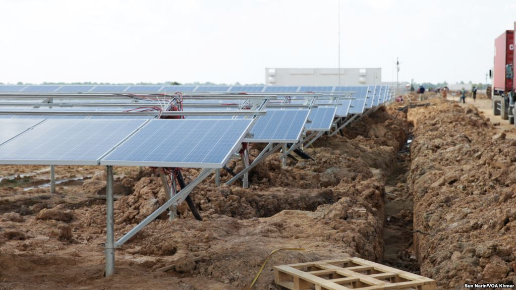FILE: A 10-megawatt solar farm in Svay Rieng province's Bavet city on Cambodia's eastern border with Vietnam on June 17, 2017, ahead of its August operation. (Sun Narin/VOA Khmer)