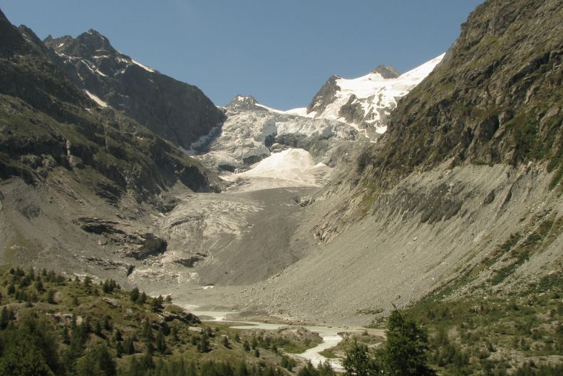 The Mont Mine glacier in the Swiss Alps has suffered visible damage from melting triggered by climate change. Photo Credit: Wikimedia Commons