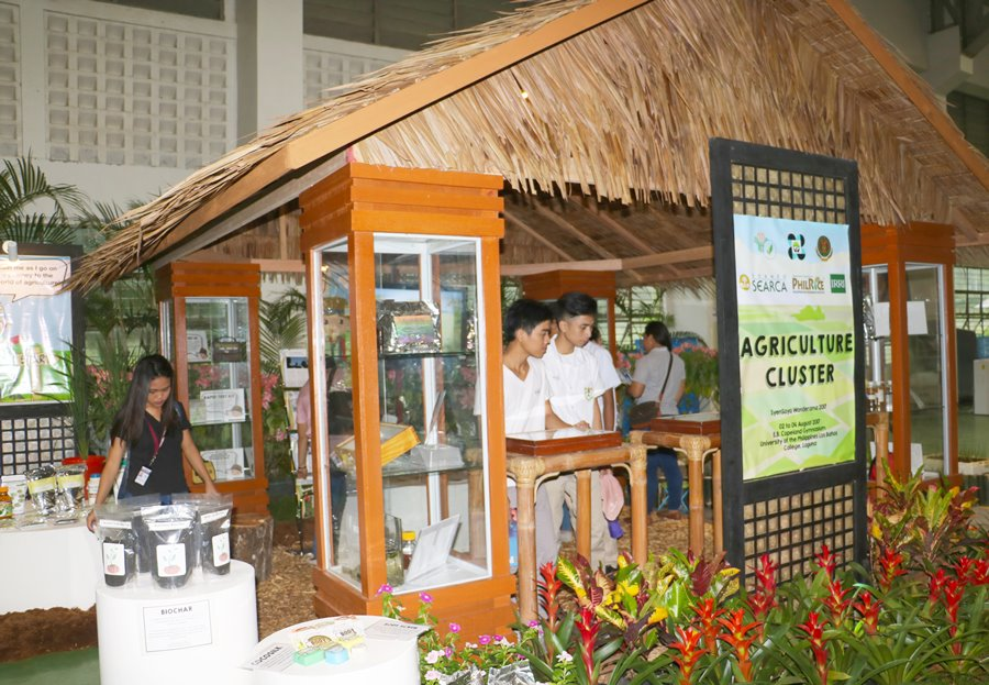 searca-participates-in-los-banos-science-festival-01