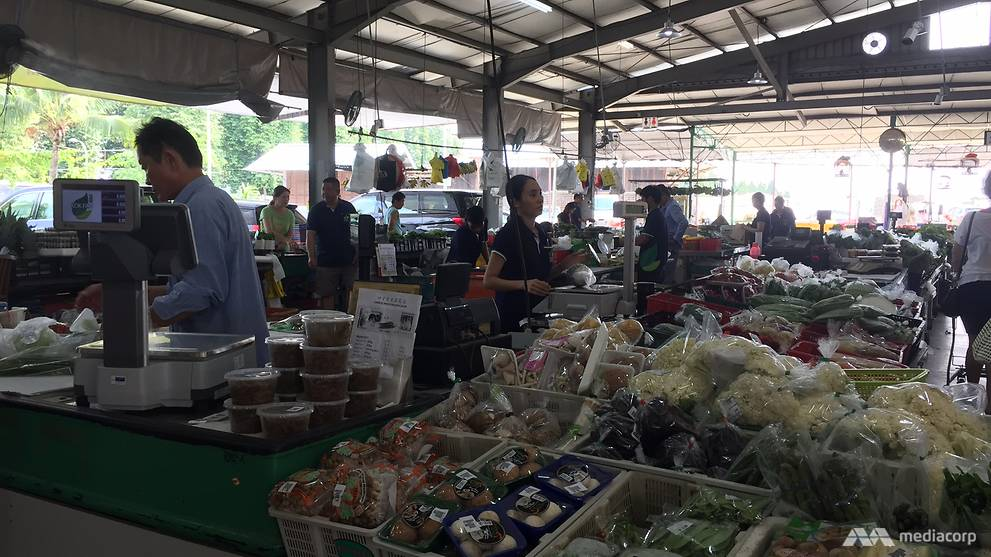 Kok Fah Technology Farm holds a weekly farmer's market at its farm in Lim Chu Kang. (Photo: Wendy Wong)