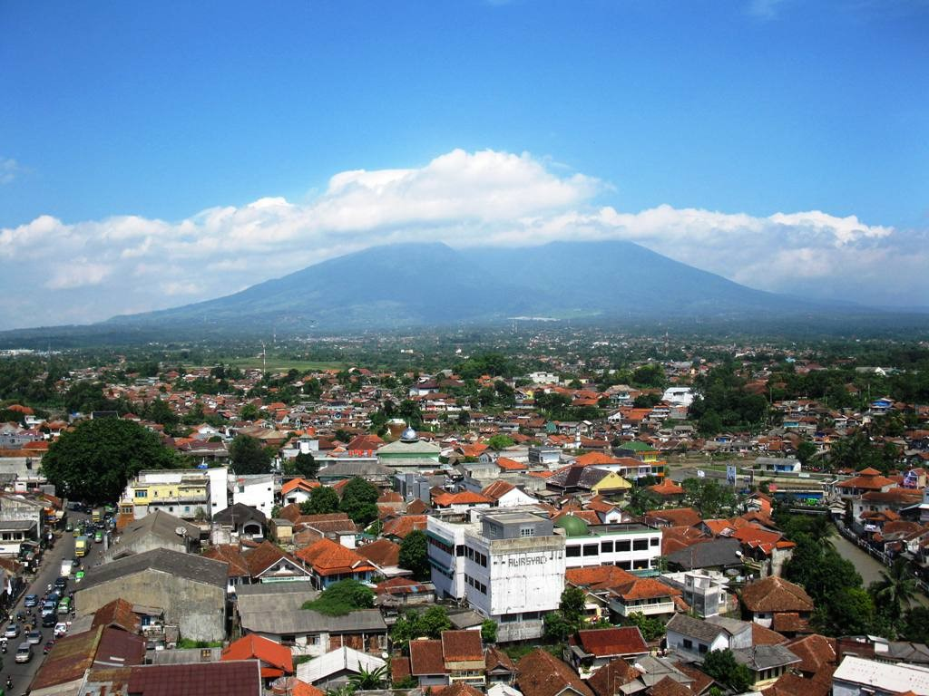 "Attribution: ""Landscape of Bogor City with Mount Salak at background"" by ArgoRaung is licensed under Creative Commons Attribution-Share Alike 3.0 Unported"