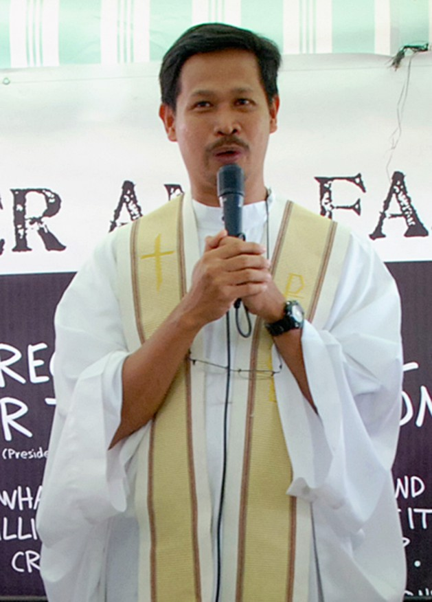 Father Edu Gariguez (photo from CBCPNews) MANILA BULLETIN