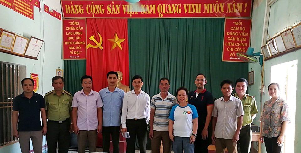 The ASRF PMO with representatives from Hap Dong Commune and staff of Forest Protection Department in Hoa Binh Province.