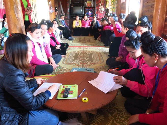 A meeting of women in Phăng 1 Village, Mường Phăng Commune, Điện Biên Province. — VNS Photo Chi Lan
