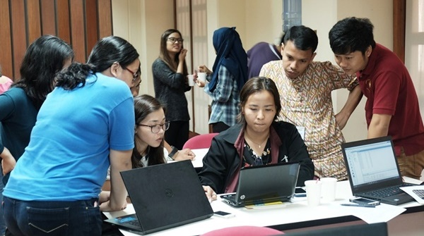 twenty-seven-students-learn-crop-systems-modelling-at-searca-02