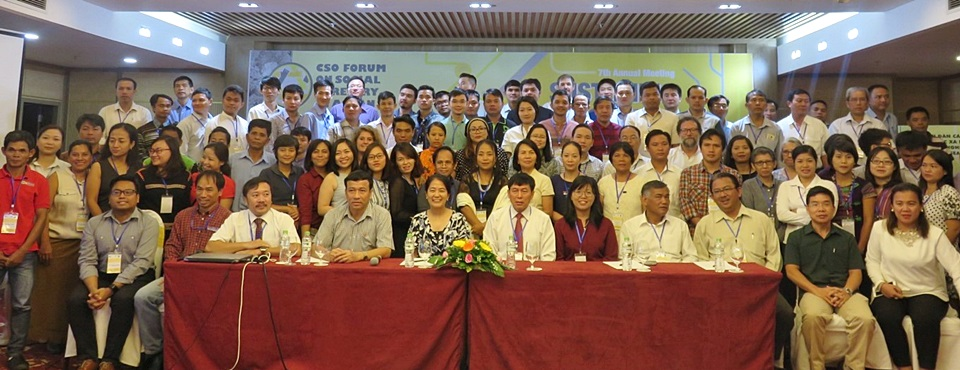 Participants to the 7th Meeting of the CSO Forum on Social Forestry in ASEAN.
