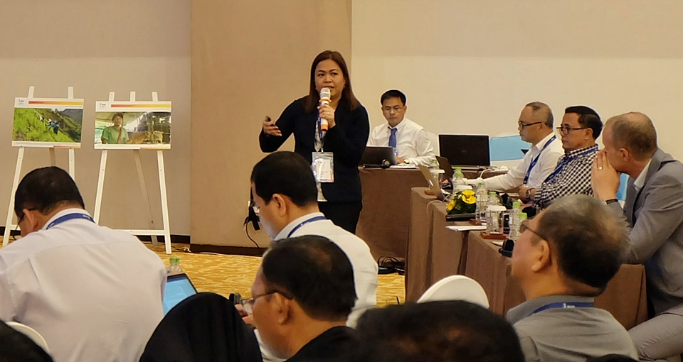 PDTS OIC Nancy Landicho presents the synthesis of the group output, which she facilitated, at the plenary session for the sub-theme 'food safety, quality standards, and nutrition.'