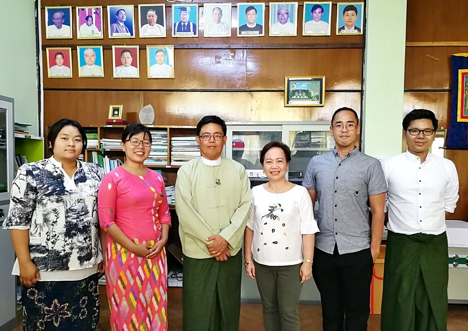 The ASRF program management office (PMO) and ASRF-Myanmar project team with Dr. Thaung Naing Oo, AWG-SF Leader and Director of Forest Research Institute. (third from left)