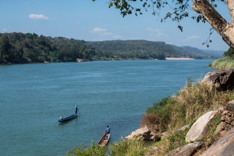Green algae, blue water add to fears over Mekong health
